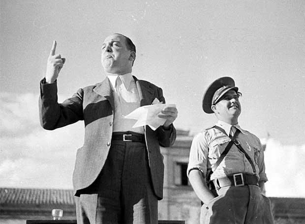 melchor_rodriguez_recita_poema_bandera_republicana_1938